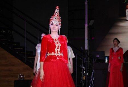 В Актау прошел показ коллекций Айнур Турисбек и Нуржамал Нурпеисовой