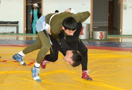 В Актау стартовал турнир по спортивной борьбе курэш