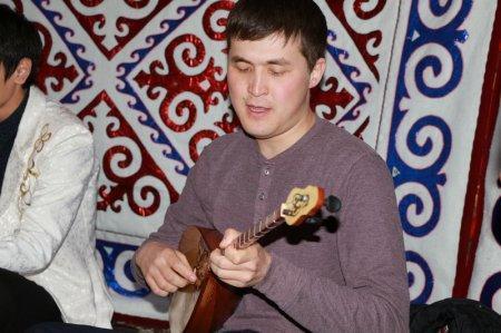 На набережной Актау началась молодежная «Домбыра party»