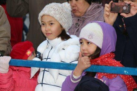 На набережной Актау стартовал вечерний праздничный концерт в честь Наурыза