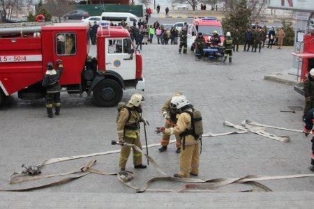 Актауские пожарные провели учения в торговом центре «Астана»