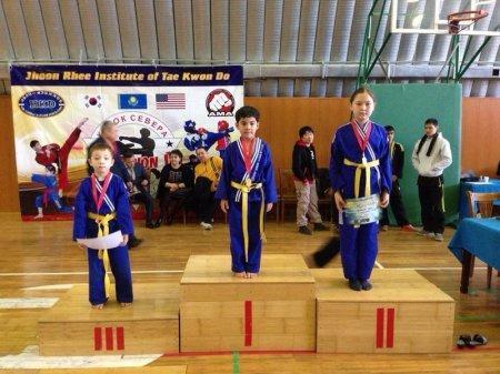 Актауские спортсмены завоевали восемь золотых медалей на чемпионате Казахстана по таэквондо