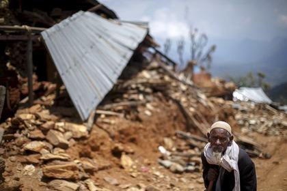 105-летний непалец выжил под завалами после недели поисков
