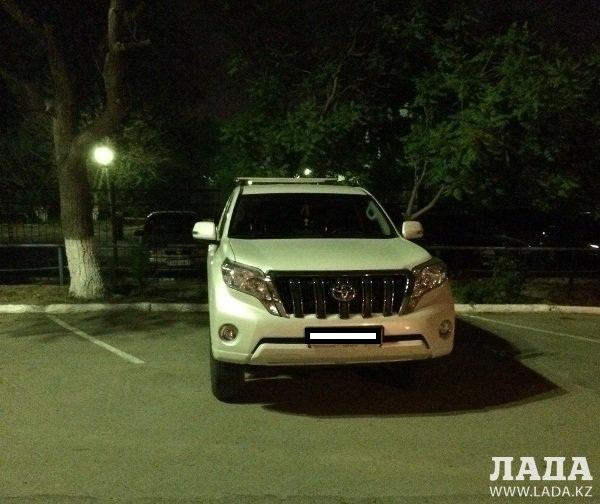 В Актау водитель внедорожника сбил девочку на набережной
