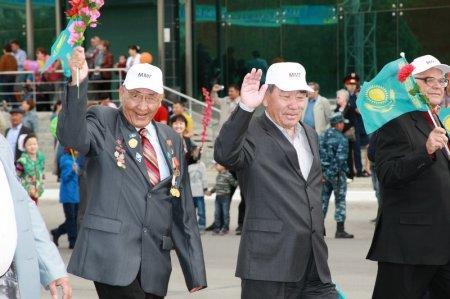 В Актау прошло шествие в честь Дня единства народа Казахстана