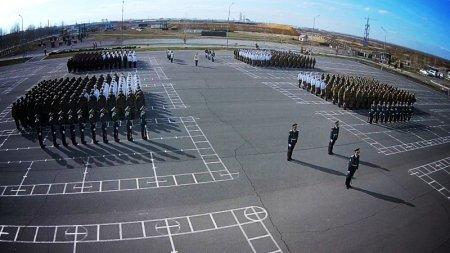 Военнослужащие Казахстана построили «живое» поздравление к 7 мая