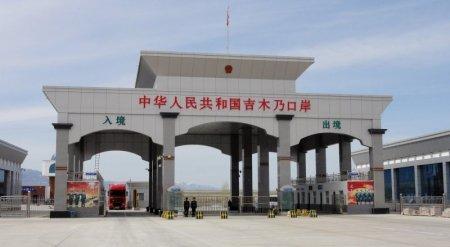 Китай создаст инфраструктуру для пропуска автотуристов на границе с Казахстаном