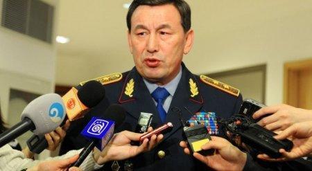 Президент распорядился повысить главу МВД РК в звании