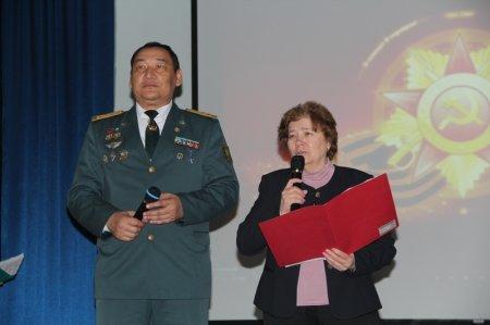 В Актау концерт для ветеранов ВОВ организовали студенты и пограничники