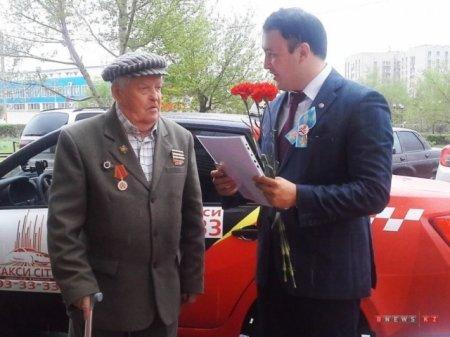 Для ветеранов ВОВ поездки на такси в Уральске навсегда станут бесплатными