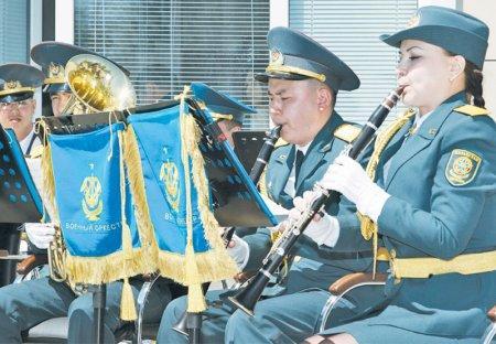 Поклон солдатам Победы