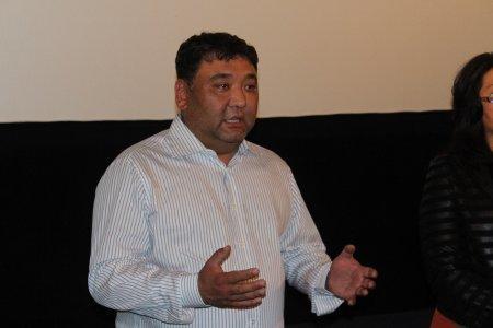 В память о режиссере Бахтиёре Худойназарове в Актау показали фильм «В ожидании моря»