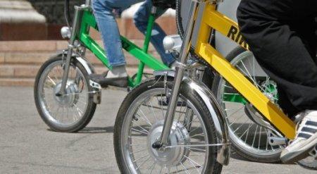 Казахстанские велосипедисты возмущены запретом на езду по тротуарам