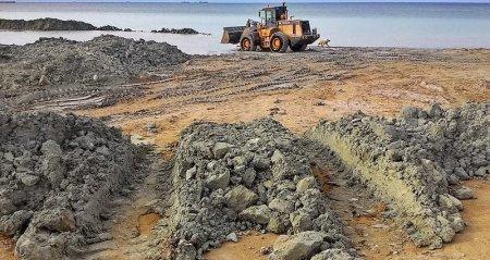 На побережье 1 микрорайона Актау строится новый пляж