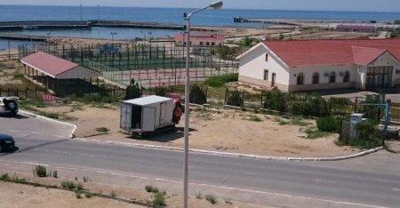 Грузовик протаранил забор «Самала»