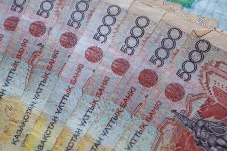 В РК вводят лимит на снятие денег с банковских счетов