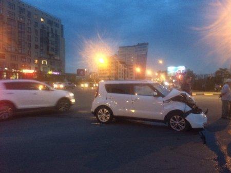В Актау грузовик столкнулся с автомобилем Kia Soul