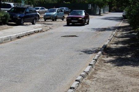 Аманбек Танатов: Конкурс на ремонт внутримикрорайонных дорог Актау объявят 1 июня