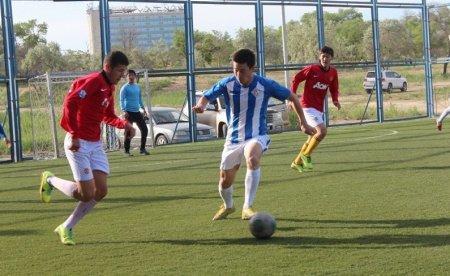 В Актау прошли пятый и шестой туры чемпионата города по мини-футболу  6х6