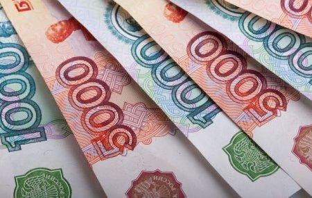 Казахстанцы продолжают скупать рубли в обменниках