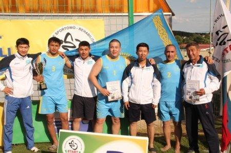Актауские спортсмены стали бронзовыми призерами международного турнира по пляжному волейболу в Польше