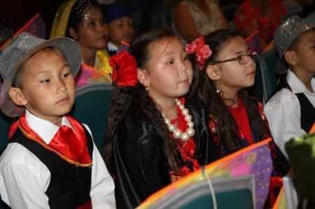 В Актау завершился фестиваль для детей с ограниченными возможностями «Передай добро по кругу»