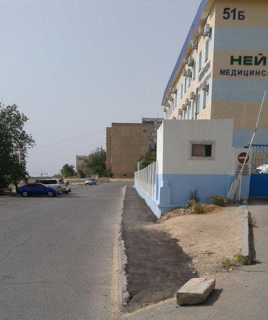 В Актау возле медицинского центра «Нейрон» восстановили тротуар