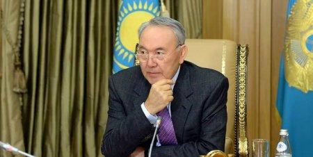 Назарбаев посоветовал казахстанцам не думать о смысле жизни