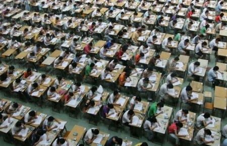 За списывающими на госэкзаменах в Китае следят беспилотники