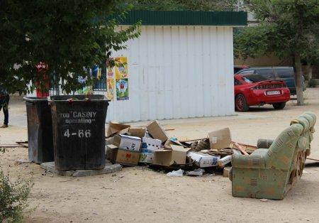 Актау, утопающий в мусоре (ФОТОПОСТ)