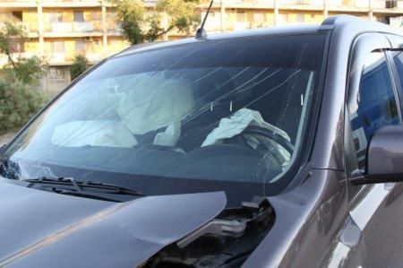 В Актау на «Т-образном» перекрестке столкнулись два автомобиля