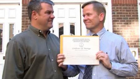 В США официально разрешили однополые браки во всех штатах