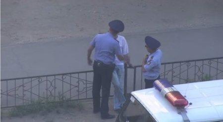 Скандальное видео с полицейскими Павлодара появилось в Сети
