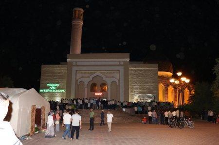 В Актау мусульмане встретили ночь Предопределения - Қадыр түні