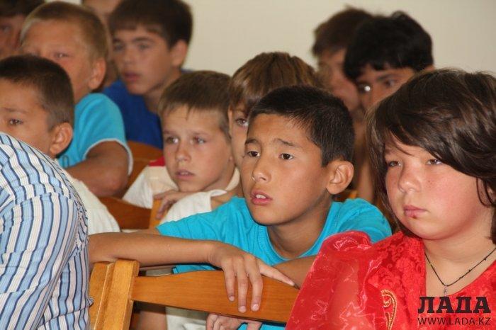 Актауские ветераны-афганцы провели урок патриотизма в детской деревне