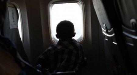 Казахстанец просит чиновников разобраться с ценами на авиабилеты для детей