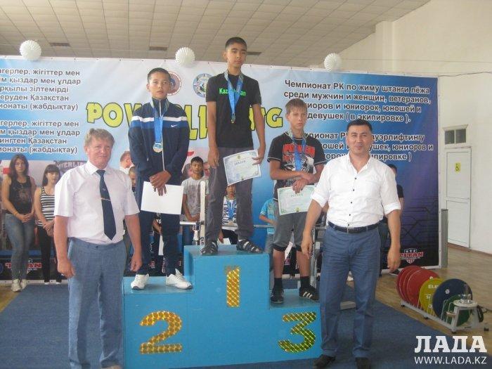 Мангистауские спортсмены привезли семь золотых медалей с чемпионата Казахстана по пауэрлифтингу