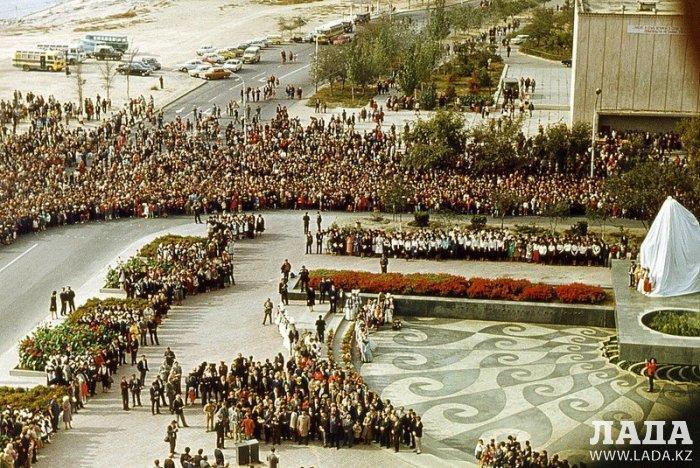Марат Шушаков: Памятник Тарасу Шевченко в Актау мог стать вторым Колоссом Родосским
