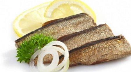 Казахстан временно ограничил ввоз латвийской и эстонской рыбы