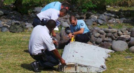 Обнаружен регистрационный номер на обломке самолета в Индийском океане
