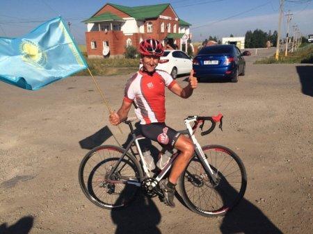 Немец доехал из Германии до Костаная на велосипеде