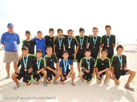 В Актау завершился детский турнир по пляжному футболу