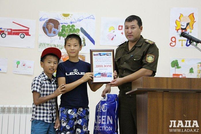 Гульнара Ходжабекова: Более 200 детей приняли участие в акции «Безопасное детство»