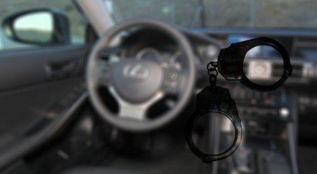 Казахстанец заплатит 109 миллионов тенге за попытку выкупить Lexus у полицейского в России