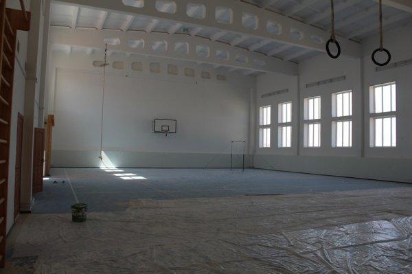Мажилисмен Серик Оспанов посетил строящуюся школу в Каракиянском районе