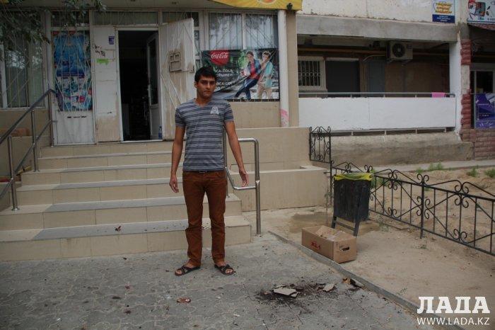 Жители одного из домов 4 микрорайона Актау пожаловались на бездействие участкового инспектора