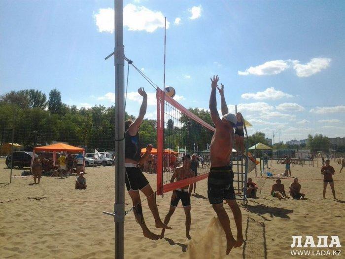 Актауские волейболисты заняли первое место на фестивале пляжных видов спорта в Росcии