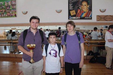 Десятилетний казахстанец собрал кубик Рубика за рекордные 7,89 секунды