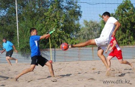 Сборная Мангистауской области отправилась на Кубок Казахстана по пляжному футболу
