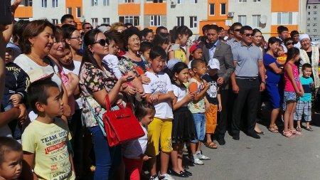 В Актау 120 молодых семей стали новоселами
